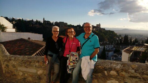Tour Albaicin Sacromonte museo de las cuevas Granada guia oficial