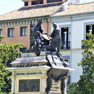 Plaza Isabel la catolica Granada