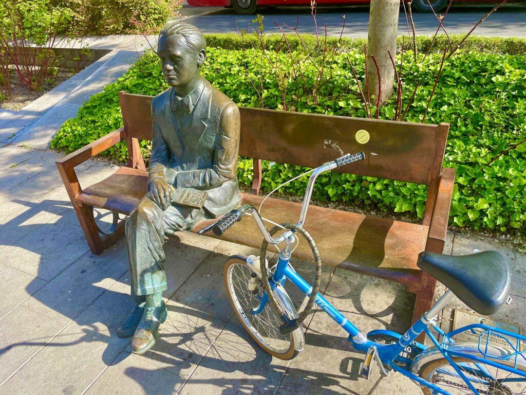 estatua Garcia lorca